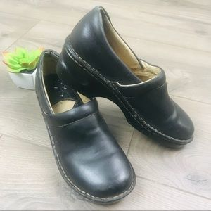 BORN Toby Duo Slip On Leather Clogs Black Shoes